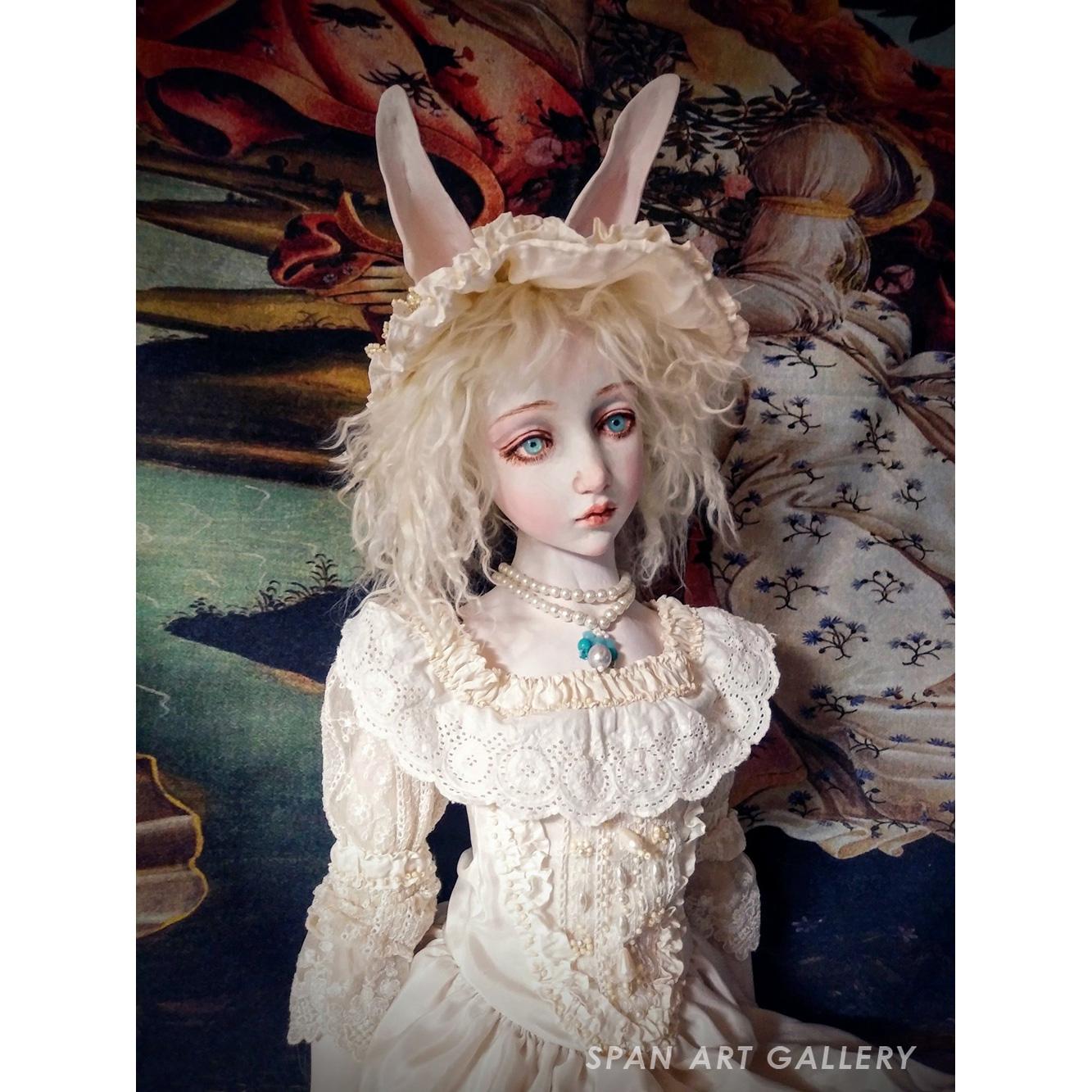 清水真理 人形『Pearl white』